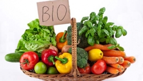 Via le mele marce dall'agricoltura biologica!